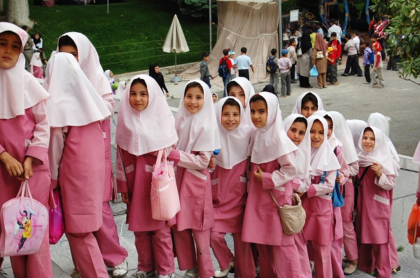 schoolgirls-in-iran.jpg