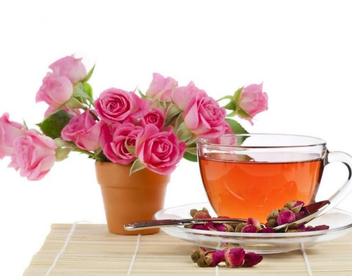 Vantaggi-di-rose-tea
