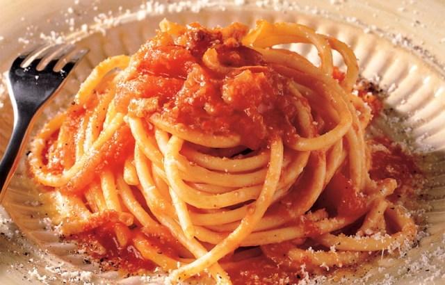 medicina-online-amatriciana-light-ricetta-dietetica-facile-gustosa-veloce-sugo-pasta-dieta-dimagrire-sapore.jpg